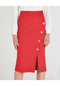Patrizia Pepe - PATRIZIA PEPE - Czerwona spódnica midi z rozcięciem. Kolor: czerwony. Materiał: dzianina