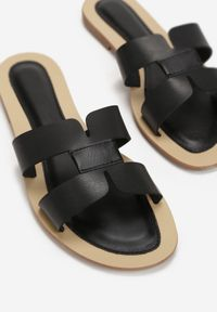 Born2be - Czarne Klapki Caphanorus. Nosek buta: okrągły. Kolor: czarny. Wzór: aplikacja. Sezon: lato #6