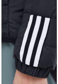 adidas Performance - Kurtka. Typ kołnierza: kaptur. Kolor: czarny. Materiał: materiał. Długość rękawa: raglanowy rękaw