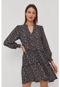 Vero Moda - Sukienka. Kolor: czarny. Materiał: tkanina. Typ sukienki: rozkloszowane