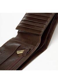 Wittchen - Męski portfel skórzany z rozkładanym panelem. Kolor: złoty, brązowy, wielokolorowy. Materiał: skóra