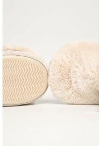 Flip*Flop - Kapcie Yeti. Nosek buta: okrągły. Kolor: beżowy. Materiał: guma