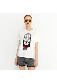 House - T-shirt z nadrukiem Dom z Papieru - Biały. Kolor: biały. Wzór: nadruk