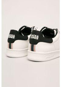 Białe sneakersy Jack & Jones z okrągłym noskiem, z cholewką