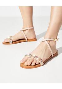 MYSTIQUE SHOES - Różowe sandały z kryształami. Zapięcie: pasek. Kolor: fioletowy, różowy, wielokolorowy. Wzór: paski, aplikacja. Sezon: lato. Styl: elegancki