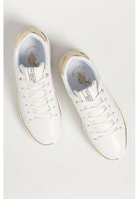U.S. Polo Assn. - Buty. Nosek buta: okrągły. Zapięcie: sznurówki. Kolor: biały. Materiał: skóra ekologiczna, syntetyk, materiał, guma. Szerokość cholewki: normalna. Obcas: na obcasie. Wysokość obcasa: średni #3