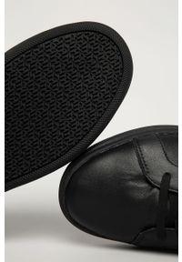 Czarne sneakersy TOMMY HILFIGER na sznurówki, z cholewką, z okrągłym noskiem