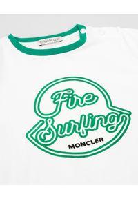 MONCLER KIDS - Biały t-shirt z nadrukiem 0-3 lat. Kolor: biały. Materiał: bawełna. Wzór: nadruk. Sezon: lato