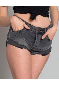 ONETEASPOON - Spodenki Washed Black. Stan: podwyższony. Kolor: czarny. Materiał: jeans, materiał. Wzór: aplikacja. Sezon: lato