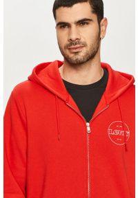Czerwona bluza rozpinana Levi's® z nadrukiem, na spotkanie biznesowe