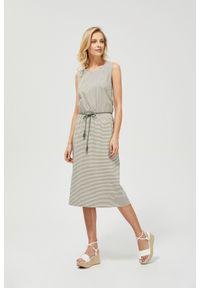 MOODO - Dzianinowa sukienka ze sznurkiem. Okazja: na co dzień. Materiał: dzianina. Wzór: paski. Typ sukienki: proste. Styl: casual