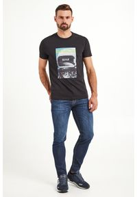 T-shirt Ice Play w kolorowe wzory, elegancki