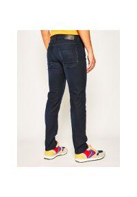 Niebieskie jeansy BOSS