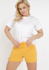 Born2be - Żółte Szorty Mhyryla. Kolor: żółty