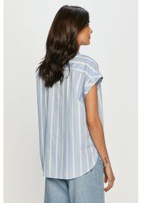 Tommy Jeans - Koszula bawełniana. Okazja: na co dzień. Kolor: niebieski. Materiał: bawełna. Długość rękawa: krótki rękaw. Długość: krótkie. Styl: casual