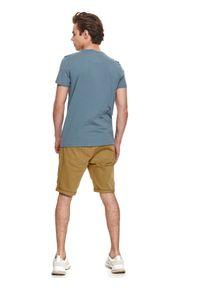 TOP SECRET - T-shirt z nadrukiem. Okazja: na co dzień. Kolor: niebieski. Materiał: tkanina, bawełna. Długość rękawa: krótki rękaw. Długość: krótkie. Wzór: nadruk. Sezon: lato. Styl: casual #5