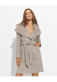 CINZIA ROCCA - Beżowy płaszcz z oversizowym kołnierzem. Kolor: beżowy. Materiał: materiał, wełna. Długość: do kolan