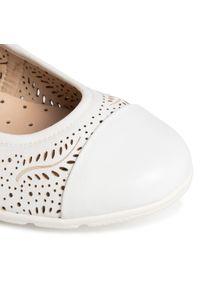 Białe baleriny Caprice z cholewką, klasyczne