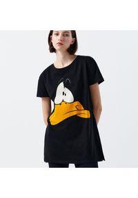 Cropp - Koszula nocna Looney Tunes - Czarny. Kolor: czarny
