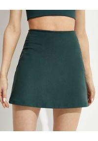 GIRLFRIEND COLLECTIVE - Zielone spódnico-spodenki Skort Moss. Stan: podwyższony. Kolor: zielony. Materiał: mesh, tkanina