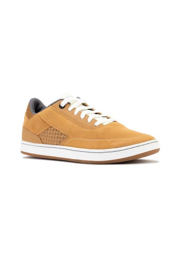 OXELO - Buty skate niskie CRUSH 500. Kolor: pomarańczowy, wielokolorowy, beżowy. Materiał: skóra, kauczuk. Szerokość cholewki: normalna. Sport: skateboard