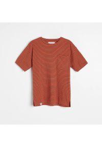 Reserved - T-shirt w paski - Czerwony. Kolor: czerwony. Wzór: paski