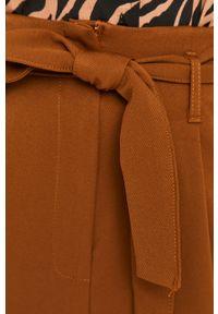 Spodnie materiałowe Answear Lab wakacyjne