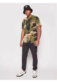 Zielony t-shirt Adidas