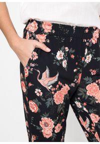 Pomarańczowe spodnie bonprix w kwiaty, na wiosnę