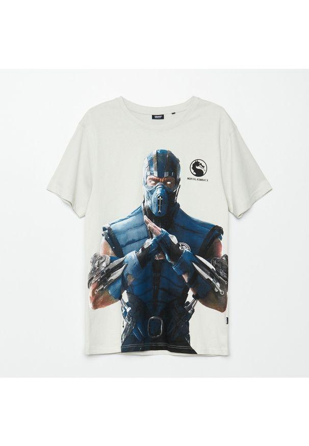 Cropp - Koszulka z nadrukiem Mortal Kombat - Jasny szary. Kolor: szary. Wzór: nadruk