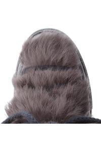 Szare śniegowce Inuikii