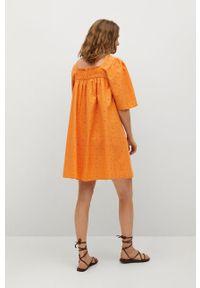 mango - Mango - Sukienka Mexico. Okazja: na co dzień. Kolor: pomarańczowy. Materiał: tkanina, włókno. Długość rękawa: krótki rękaw. Wzór: haft, gładki. Typ sukienki: proste. Styl: casual