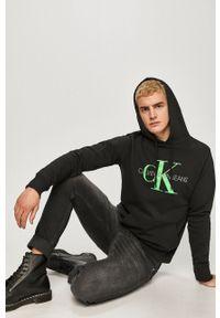 Czarna bluza nierozpinana Calvin Klein Jeans z nadrukiem, z kapturem
