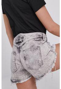 Diesel - Szorty jeansowe. Okazja: na co dzień. Stan: podwyższony. Kolor: szary. Materiał: jeans. Styl: casual