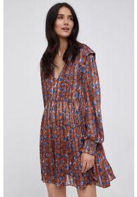 Pepe Jeans - Sukienka Ariel. Materiał: tkanina. Typ sukienki: plisowane, rozkloszowane