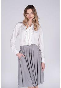 VEVA - Krótka rozkloszowana spódnica z koła Foggy szara. Okazja: do pracy. Kolor: szary. Materiał: jeans. Długość: krótkie. Wzór: melanż. Sezon: jesień, zima