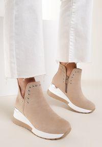 Renee - Beżowe Sneakersy Neamethe. Nosek buta: okrągły. Kolor: beżowy. Szerokość cholewki: normalna. Wzór: aplikacja. Obcas: na koturnie