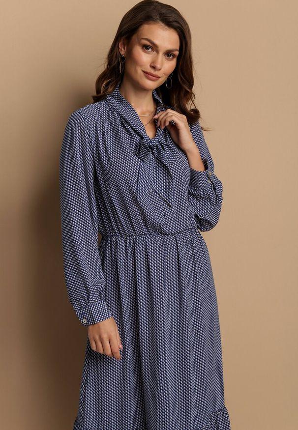 Niebieska sukienka Renee
