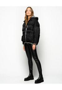 Czarna kurtka Pinko na jesień, długa, ze splotem
