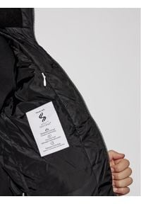 Calvin Klein Jeans Kurtka puchowa Essentail IB0IB00557 Czarny Regular Fit. Kolor: czarny. Materiał: puch