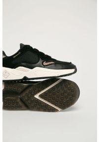 Czarne sneakersy GANT na obcasie, na średnim obcasie