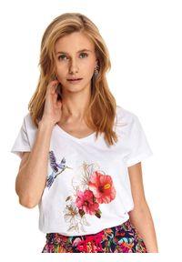 Biały t-shirt TOP SECRET z nadrukiem, z dekoltem w serek, na lato, klasyczny