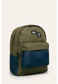 Oliwkowy plecak Quiksilver z aplikacjami