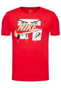 Nike T-Shirt Sportswear DB6151 Czerwony Standard Fit. Kolor: czerwony