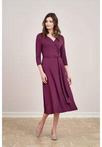 Fioletowa sukienka Marie Zélie z kopertowym dekoltem, prosta