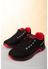 Czarne buty sportowe Casu
