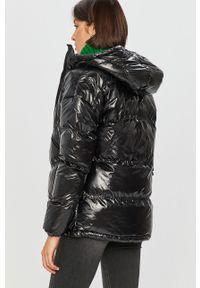 Czarna kurtka Answear Lab wakacyjna, z kapturem