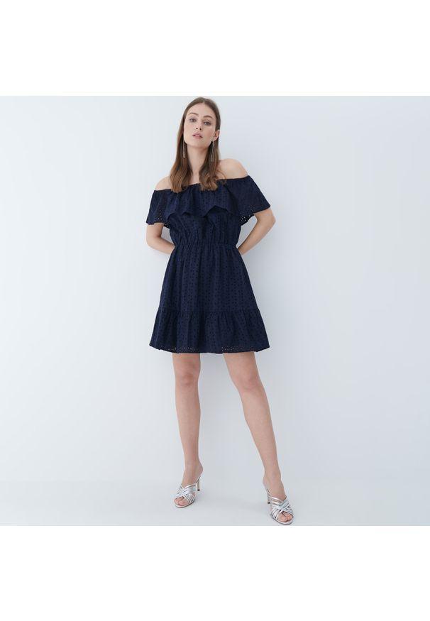 Mohito - Sukienka hiszpanka - Niebieski. Typ kołnierza: dekolt hiszpanka. Kolor: niebieski