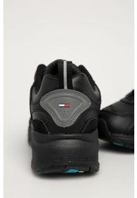 Czarne sneakersy Tommy Jeans z cholewką, na sznurówki