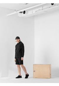 4f - Spodenki dresowe męskie RL9 x 4F. Kolor: czarny. Materiał: dresówka. Wzór: aplikacja